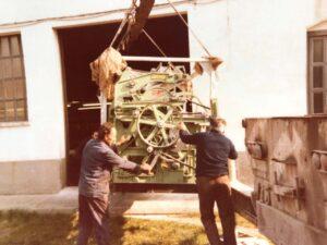 Metiendo máquinas / Putting machines
